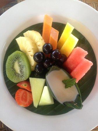 Puri Wulandari Boutique Resort: Breakfast. Fresh fruit.