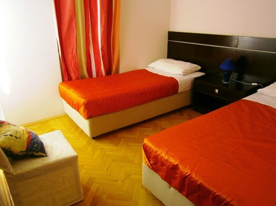 Villas Arbia - Villas Rio & Magdalena: Room with twin beds