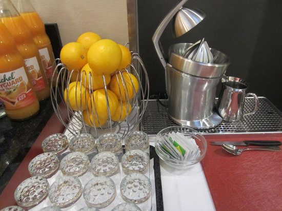 BEST WESTERN Hotel Wartmann am Bahnhof: 朝食のフレッシュオレンジジュース