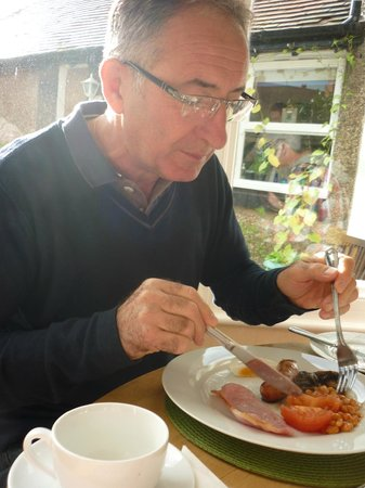 Lymehurst Bed & Breakfast: Father in law enjoying superb cooked breakfast.
