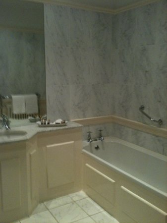 Dunbrody Country House Hotel: Bathroom