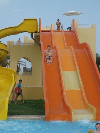 Le Soleil Bella Vista Hotel: взрослая горка