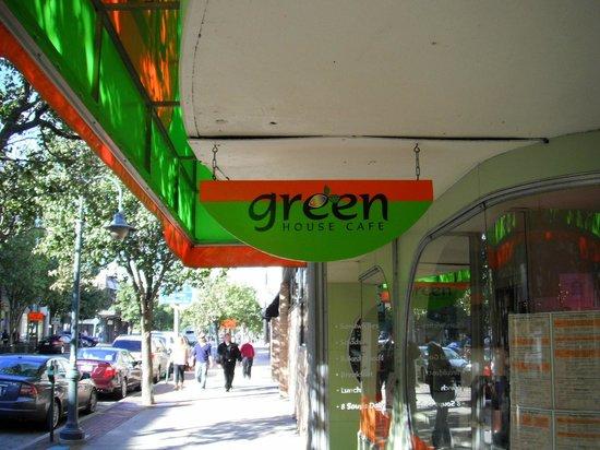 Green House Cafe: outside
