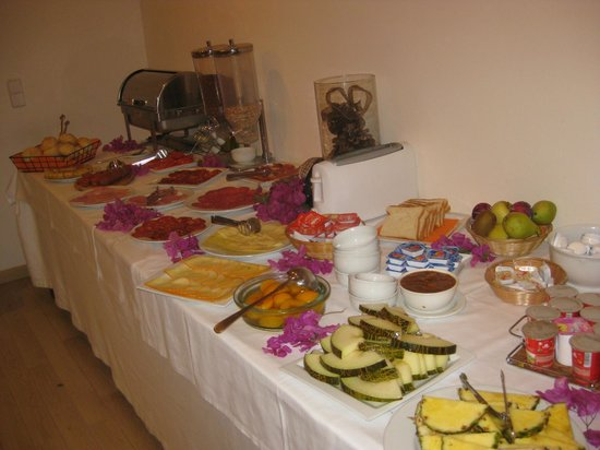 Ca'n Calco Hotel: Part of the breakfast buffet
