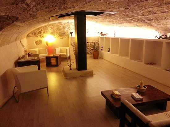 Ca'n Calco Hotel : Cellar for relaxing or drinking wine