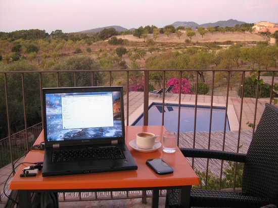 Ca'n Calco Hotel: A little great-view-business work during breakfast