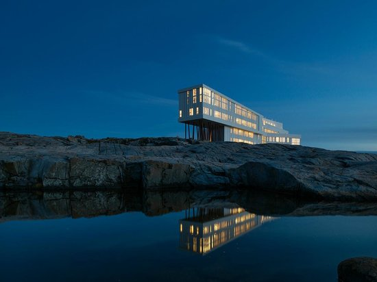 Joe Batt's Arm, แคนาดา: Fogo Island Inn, Reflected
