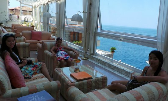Hotel Corallo Sorrento: hotel lobby with view