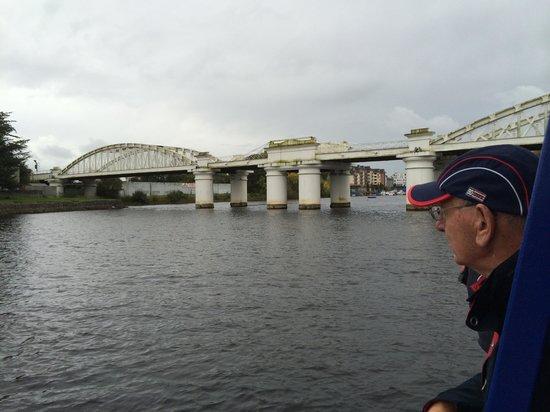 Viking Ship Cruises : The swing bridge