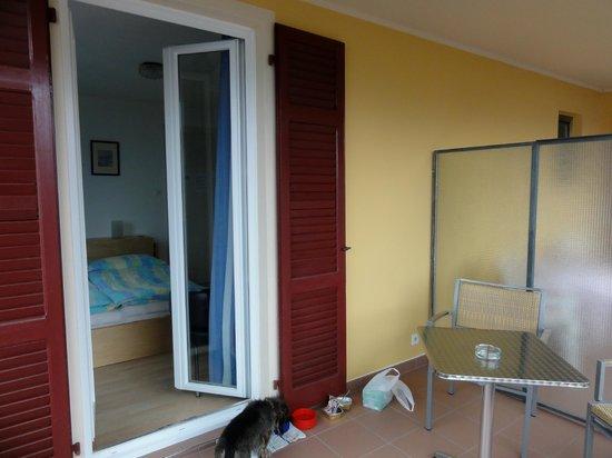 Hotel Primavera: la terrasse devant la chambre