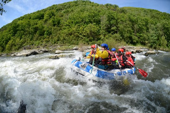 Sainte-Eulalie-d'Olt, France: Rafting sur le Lot