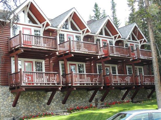 Paradise Lodge & Bungalows: suite section
