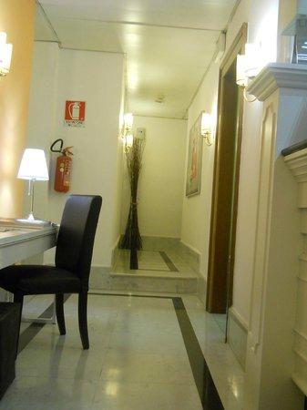 Max Hotel: Hotel