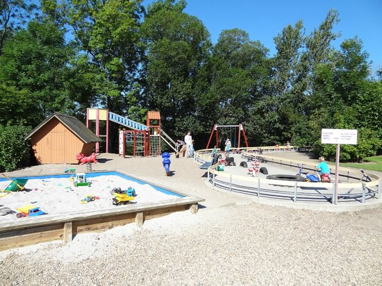 Logballe Camping & Cottages: Playground