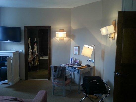 Hotel Cezanne : Suite 201 - particolare
