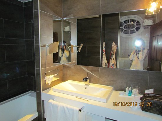 Boutique Hotel Cezanne: Suite 201 - bagno
