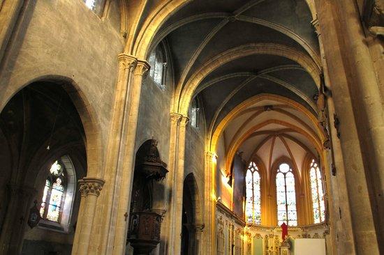 Neufchâteau, France : L'église St Christophe