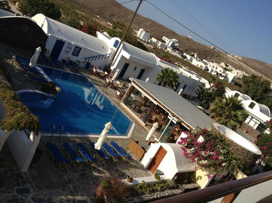 Hotel Mathios Village: the first pool