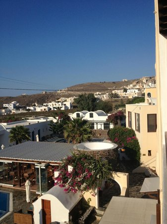 Hotel Mathios Village: the hotel and the village