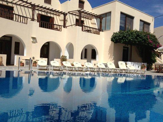 Hotel Mathios Village: the hotel&grounds