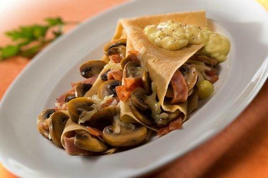La Crepe Galerie: Mushrooms, Ham & Mozarella Cheese