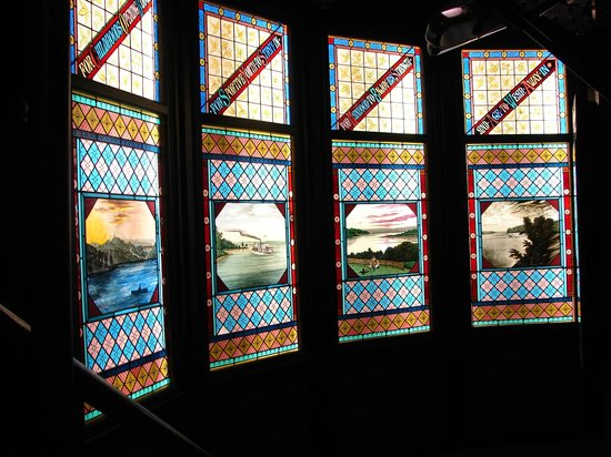 Geneva Lake Museum of History : Stained glass windows from Crane Estate - Jerseyhurst