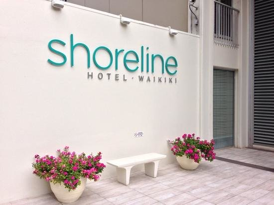 Shoreline Hotel Waikiki: Hotel entrance