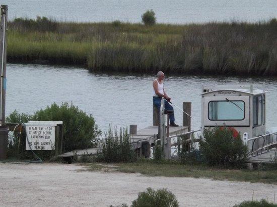 Gulf Breeze Motel : Fisherman in the AM.