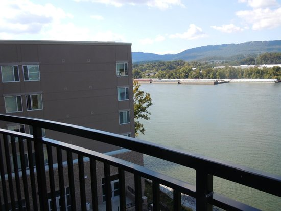 SpringHill Suites Chattanooga Downtown/Cameron Harbor: balcony view to our left