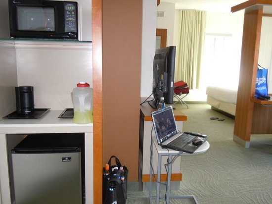 SpringHill Suites Chattanooga Downtown/Cameron Harbor: the rest of the room....