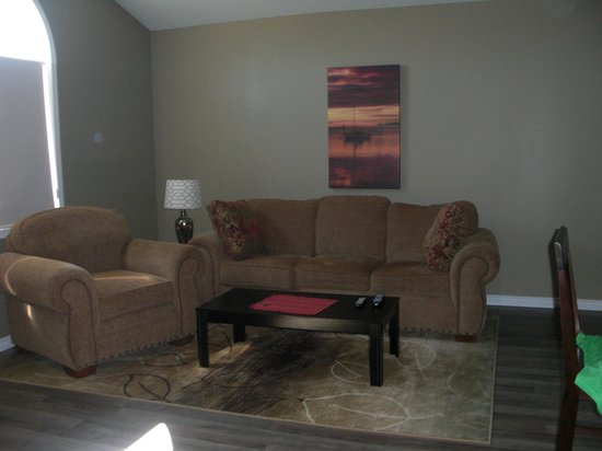 Seasons Extended Stay Suites: Suite # 4 - Livingroom