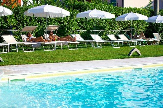 Enjoy Garda Hotel: pool