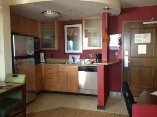 Residence Inn Miami Airport: Kitchen