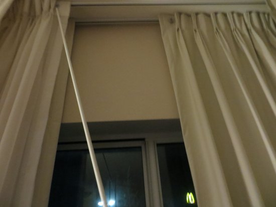 Fairfield Inn & Suites Weatherford: broken wand