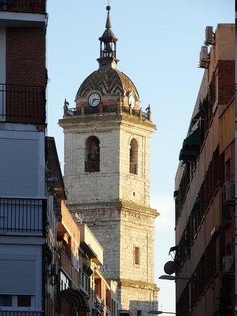 Catedral de Santa María de Prado: Blick auf den Kirchturm