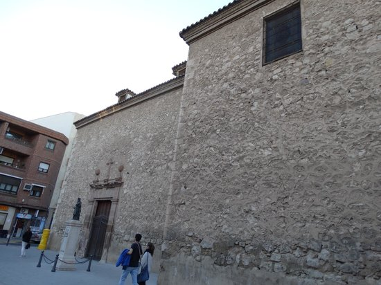 Catedral de Santa María de Prado: Außenmauern