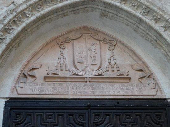 Catedral de Santa María de Prado: Einer der Eingänge