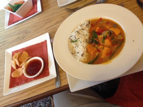 The Veggie Red LIon: Thai curry