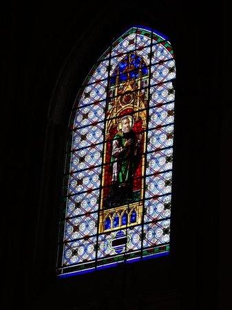Catedral de Santa María de Prado: Glasfenster