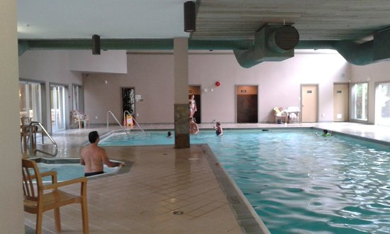 Pacific Shores Resort and Spa : The pool