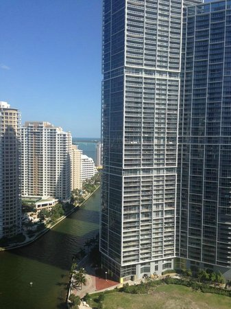 Kimpton EPIC Hotel: I love the views of Miami area..