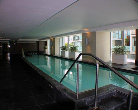 Sofitel Auckland Viaduct Harbour: lap pool