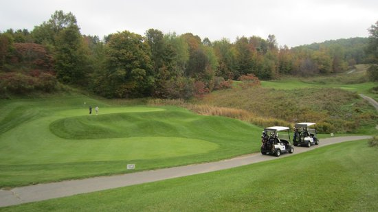 Hockley Valley Resort: Golf course a great challenge