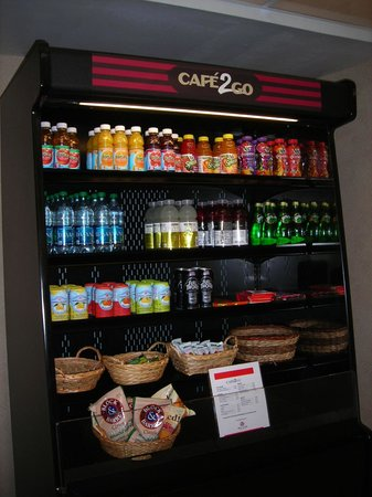 Red Lion Hotel Eureka : lobby snack bar