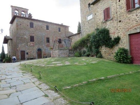 Il Castello di Gargonza: the grounds