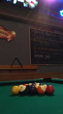 Red Lion Hotel Eureka: RJ Grin's Sports Bar & Lounge