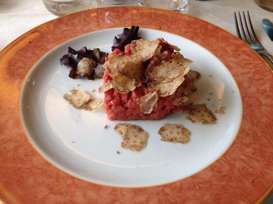 Trattoria Bruxaboschi : Tartare con tartufo bianco