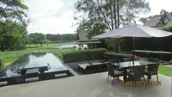 Banyan Tree Phuket: территория виллы