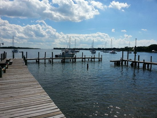 Moore's Stone Crab Restaurant : Dock area