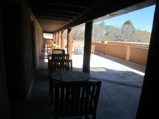 Inn and Spa at Loretto : View from our room to the outside patio area